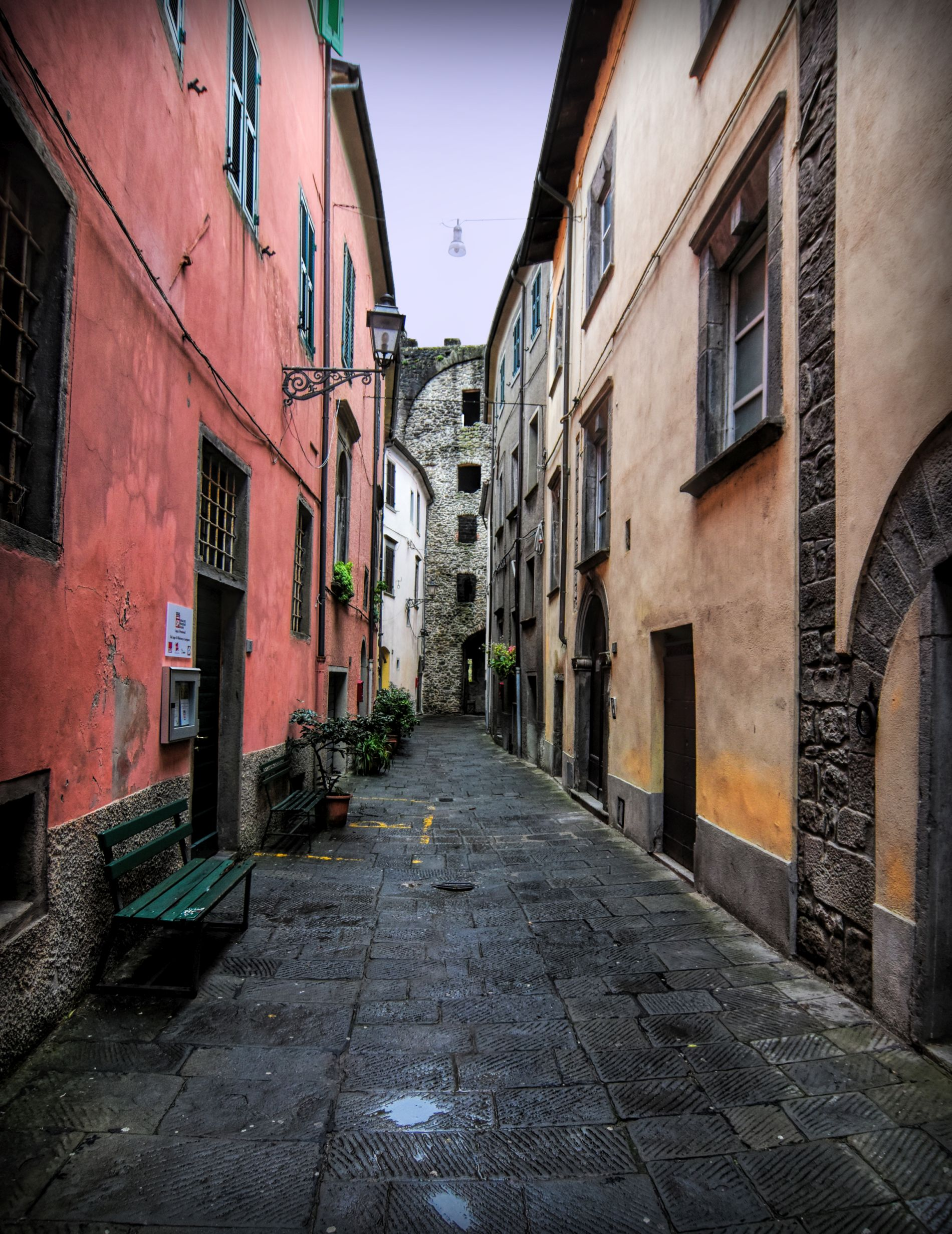 The narrow streets of Pontremoli