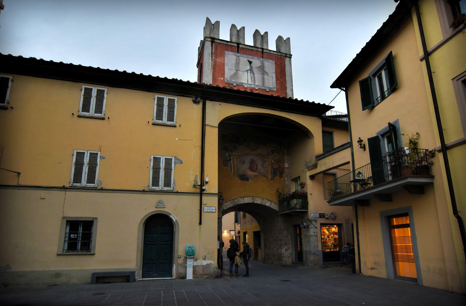 Piazza san Bernardino da Siena in Camaiore